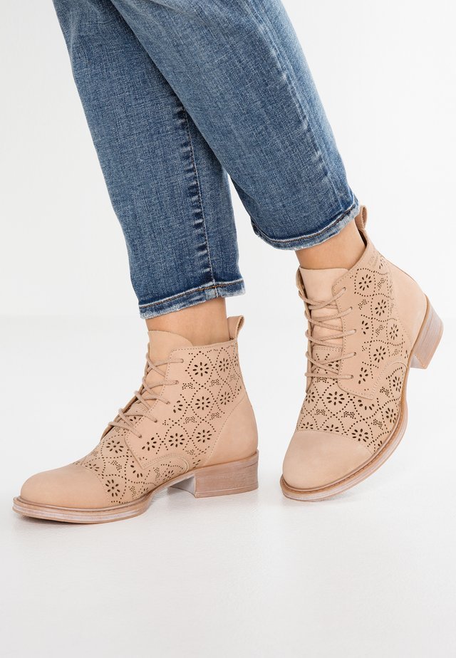 Ankle Boot - sand