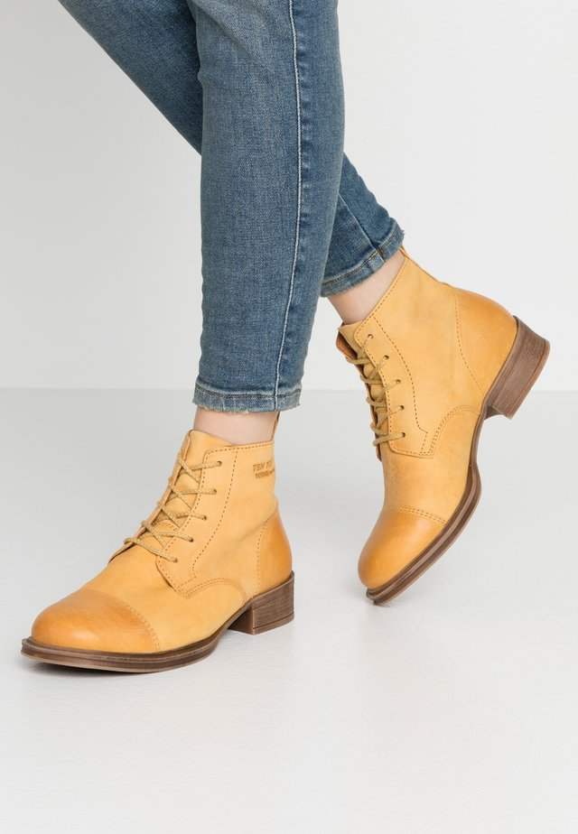Boots à talons - yellow