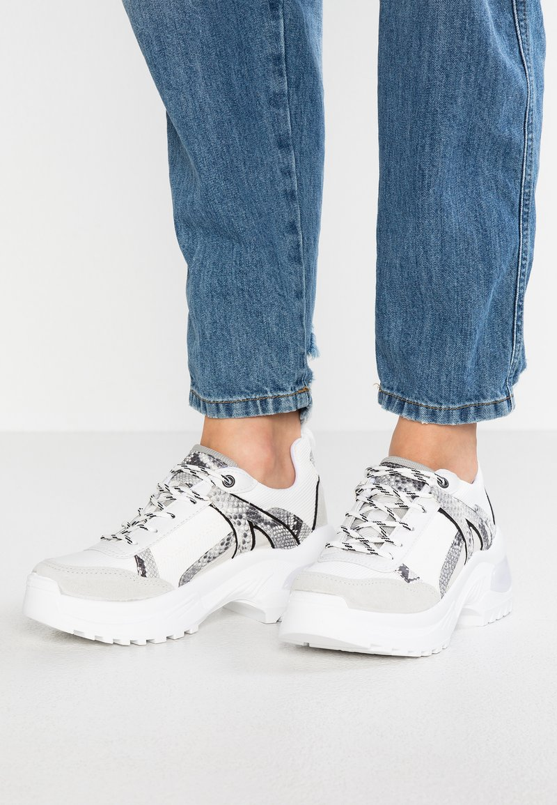 Topshop - CHICAGO BUBBLE TRAINER - Sneakers laag - grey