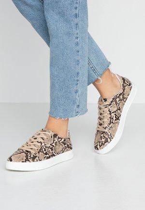 COLA  - Sneakers - natural