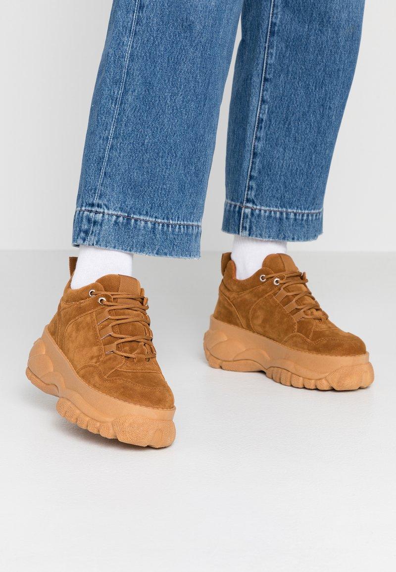 Topshop - CAIRO CHUNKY  - Sneakers laag - tan
