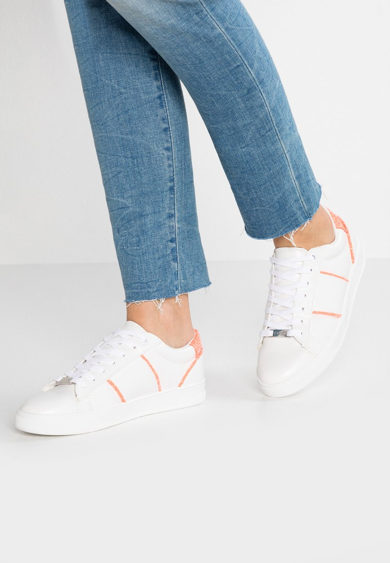 Topshop - CLICK GLITR LACE UP - Sneaker low - pink