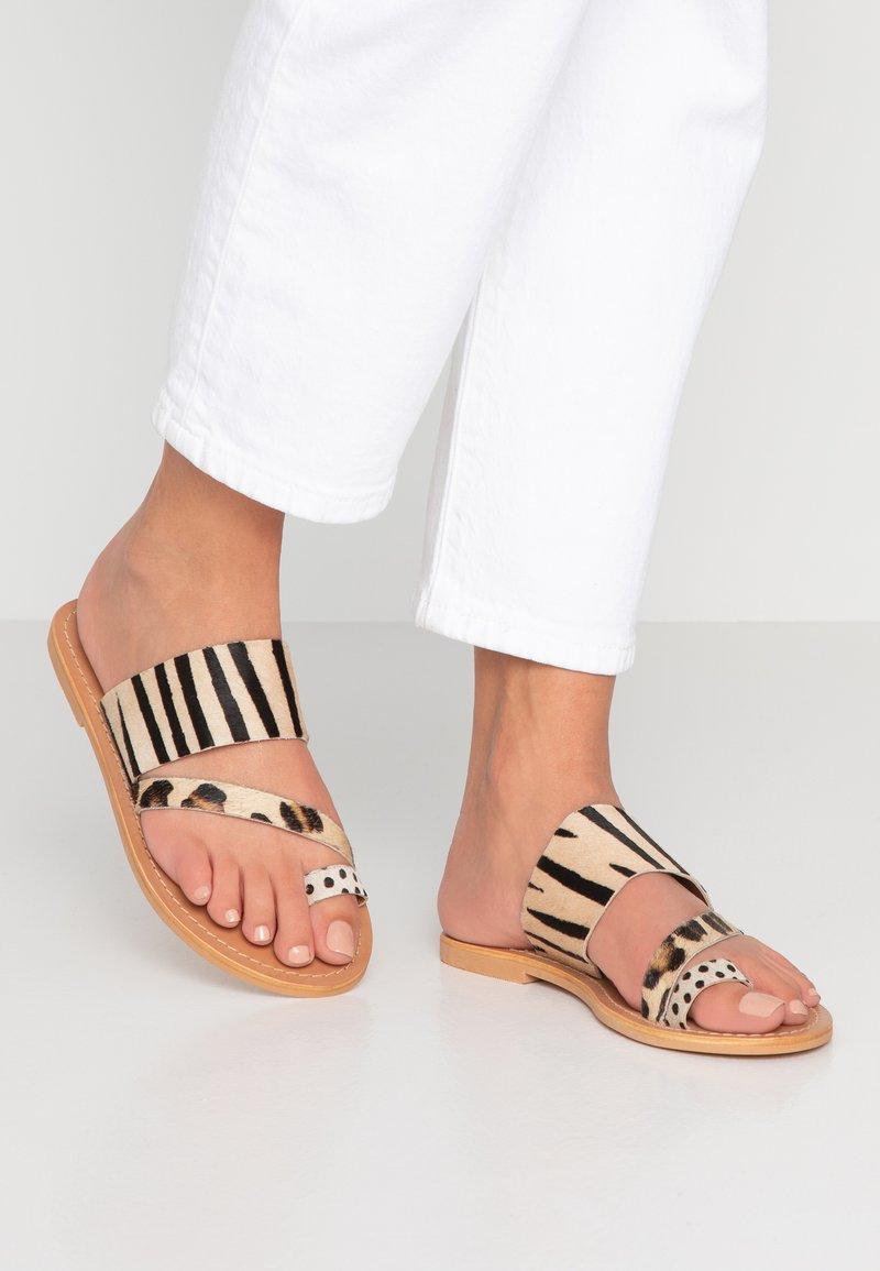 Topshop - HONEY - Sandály s odděleným palcem - multicolor