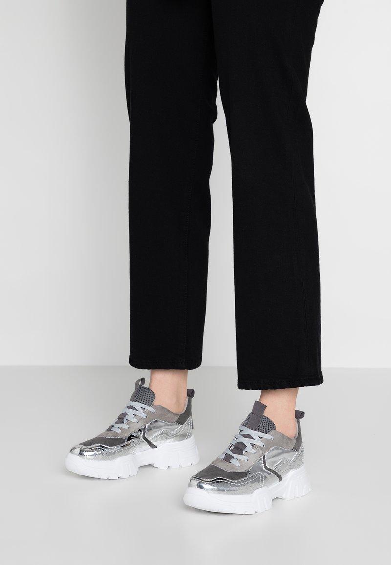 Topshop - CASABLANCA - Sneaker low - silver