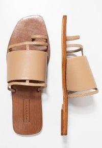 Topshop - FORTUNE - Sandály s odděleným palcem - nude - 3