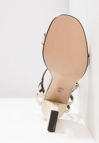 Topshop - ROLO STRAP  - Sandály na vysokém podpatku - cream - 6
