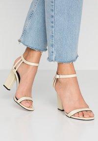 Topshop - ROLO STRAP  - Sandály na vysokém podpatku - cream - 0