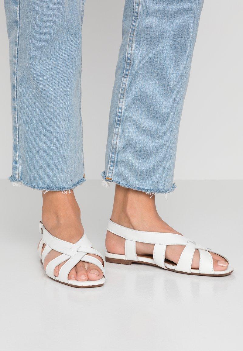 Topshop - OPAL FRONT SLING - Sandalen - white