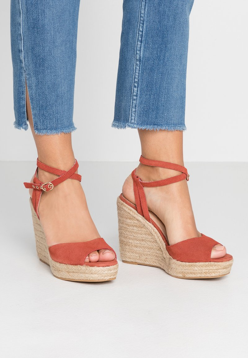 Topshop - WHITNEY WEDGE - High heeled sandals - rust