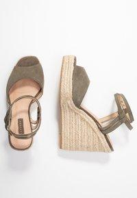 Topshop - WHITNEY WEDGE - Sandály na vysokém podpatku - khaki - 3