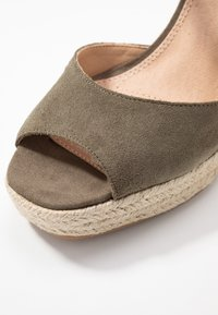 Topshop - WHITNEY WEDGE - Sandály na vysokém podpatku - khaki - 2