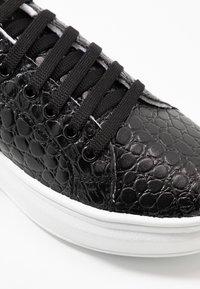 Topshop - CUBA TRAINER - Sneakers basse - black/white - 2