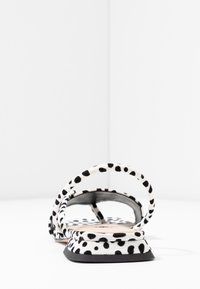 Topshop - HESTER - Sandalias de dedo - white - 5