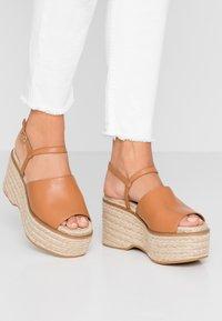 Topshop - WAKE - Sandály na vysokém podpatku - tan - 0