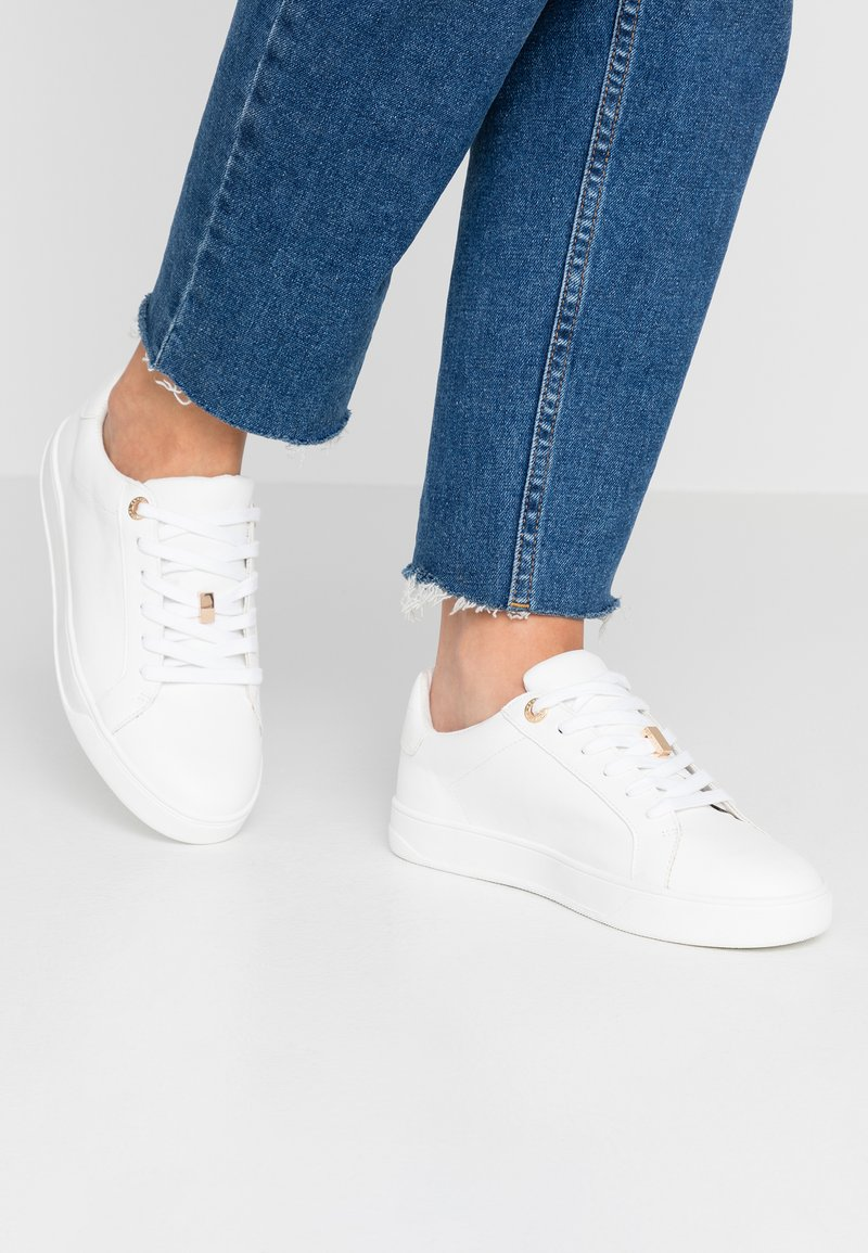 Topshop - CABO LACE UP TRAINER - Sneakers - white