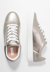 Topshop - CABO LACE UP TRAINER - Trainers - silver - 3