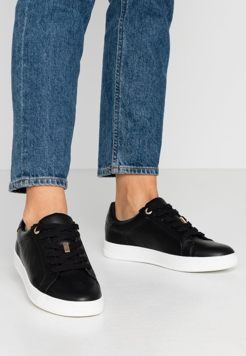Topshop - CABO LACE UP TRAINER - Sneakers basse - black