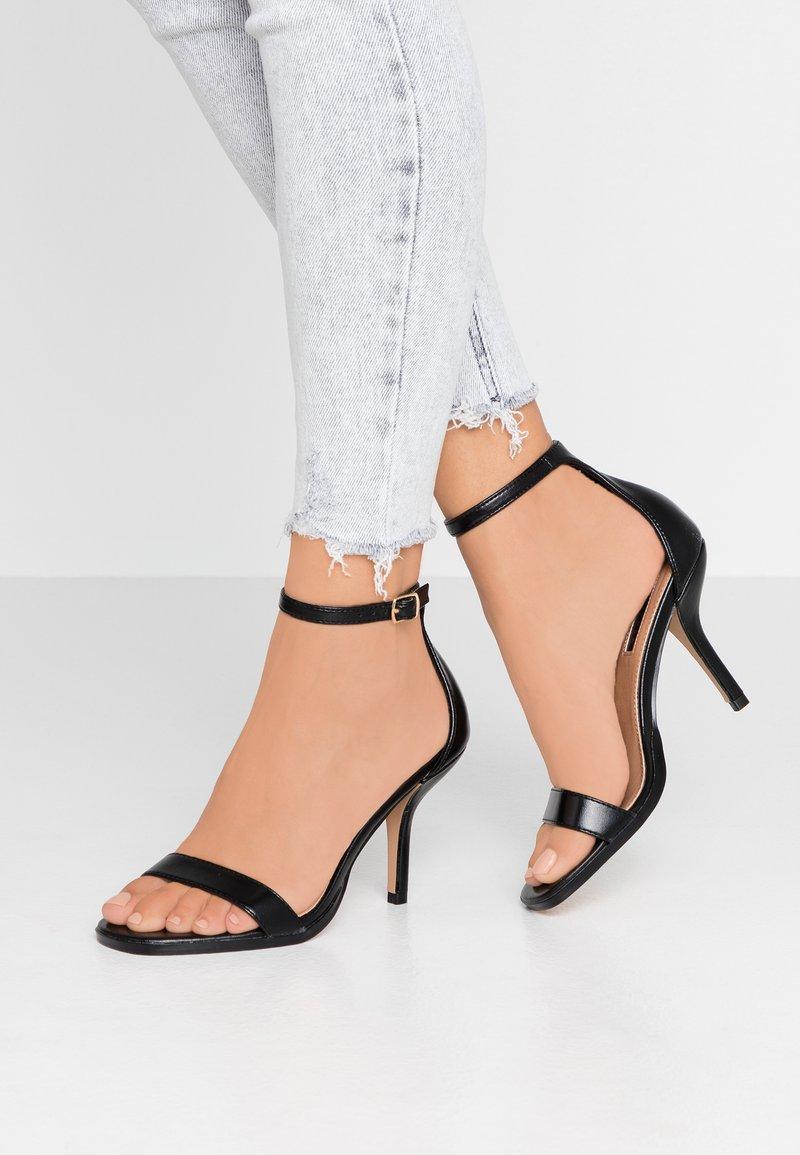 Topshop - SAGE CURVE MID - Sandály na vysokém podpatku - black