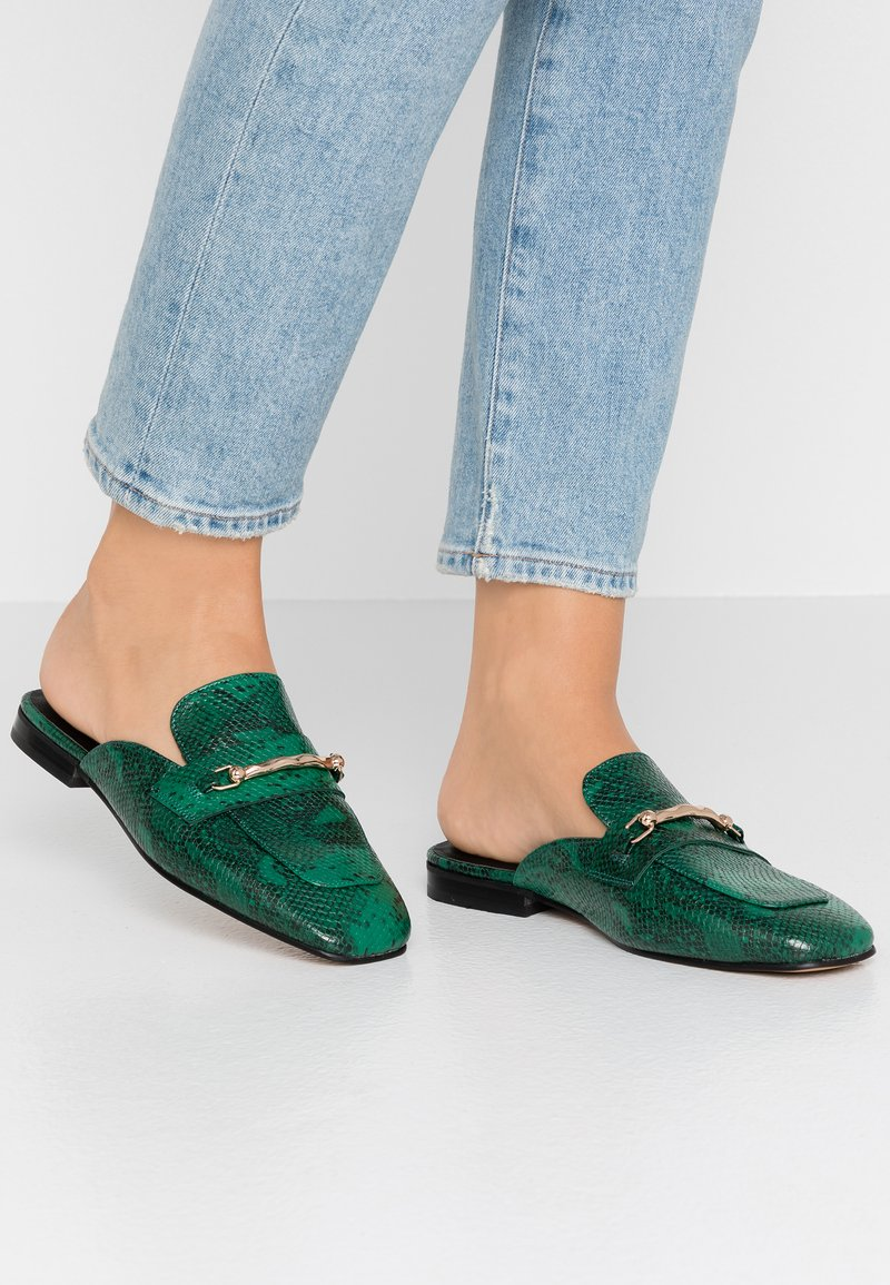 Topshop - LOPEZ BACKLESS LOAFR - Pantolette flach - green