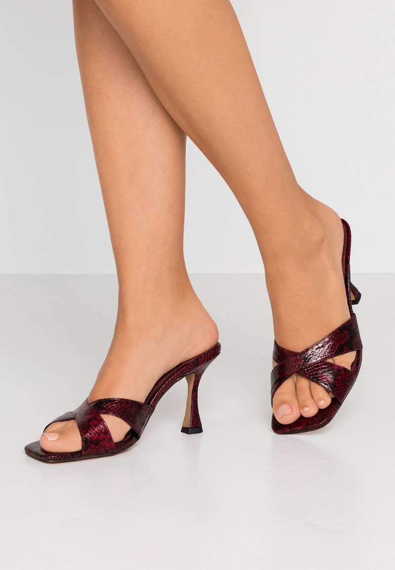 Topshop - NIECE X STRAP MULE - Pantolette hoch - burgundy