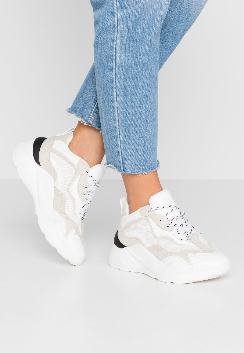 Topshop - CANCUN CHUNKY TRAINER - Sneakers - offwhite
