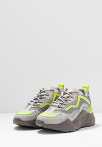 Topshop - CANCUN CHUNKY TRAINER - Sneakers laag - grey - 4