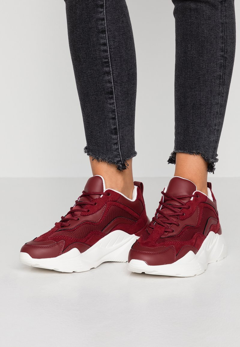 Topshop - CANCUN CHUNKY TRAINER - Trainers - burgundy