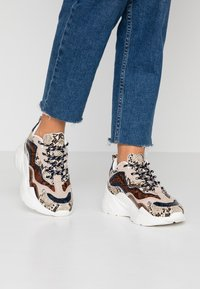 Topshop - CANCUN CHUNKY TRAINER - Sneakers - multicolor - 0
