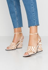 Topshop - SAFFRON CHUNK  - Sandalen met hoge hak - multicolor - 0
