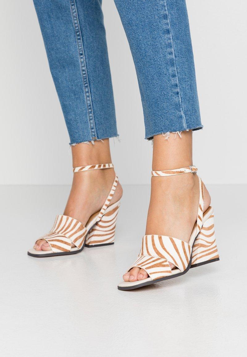 Topshop - SAFFRON CHUNK  - Sandalen met hoge hak - multicolor