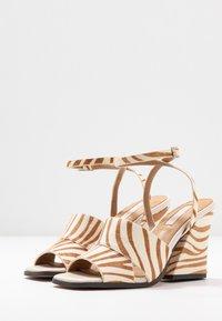 Topshop - SAFFRON CHUNK  - Sandalen met hoge hak - multicolor - 4