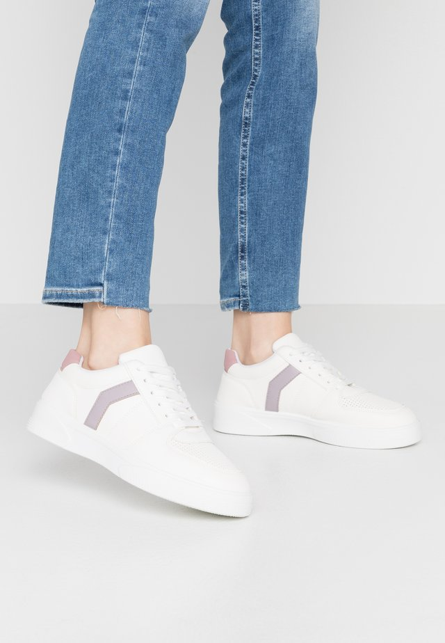 CHARLTON LACE UP - Zapatillas - lilac