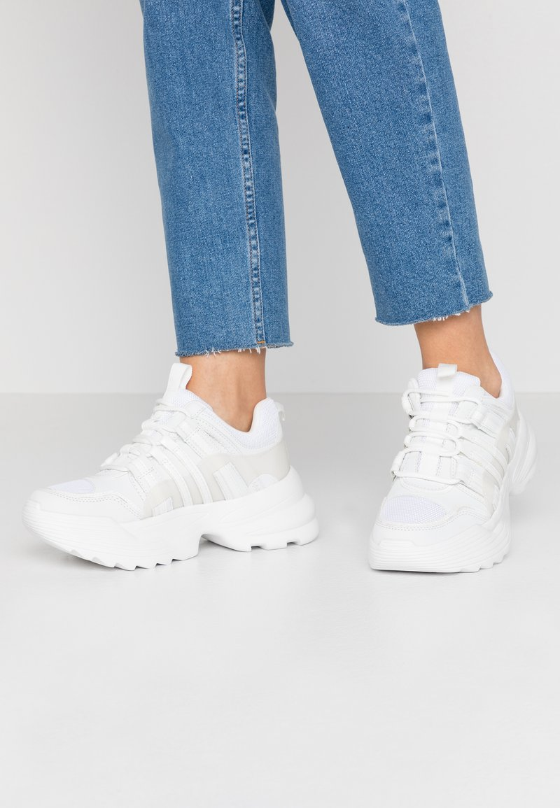 Topshop - COLORADO CHUNKY TRAINER - Sneakersy niskie - white