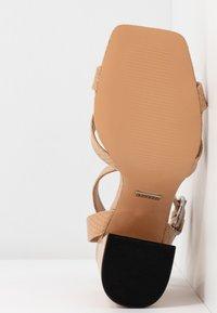Topshop - SACHA BLOCK ANKLE TIE - Sandales à talons hauts - nude - 6