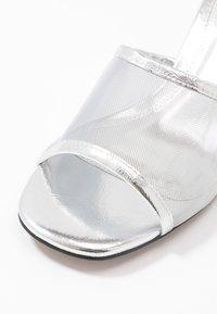 Topshop - DUSTY PERSPEX MULE - Mules à talons - silver - 2