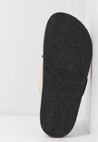 Topshop - PEDRO FOOTBED - Pantofle - stone - 7