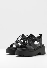 Topshop - PHOEBE GHILLIE - Sandalen met plateauzool - black - 4