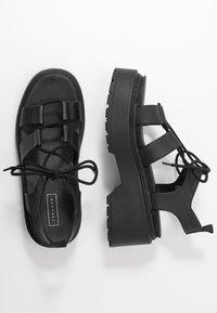 Topshop - PHOEBE GHILLIE - Sandalen met plateauzool - black - 3