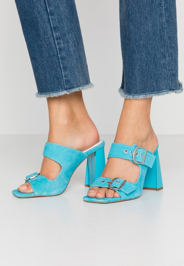 REGINE BUCKLE MULE - Sandalias - blue