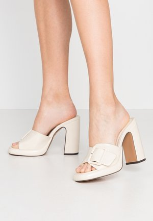 REFLECT BUCKLE MULE - Mules à talons - offwhite