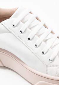 Topshop - CANADA LACE UP TRAINER - Baskets basses - blush - 2