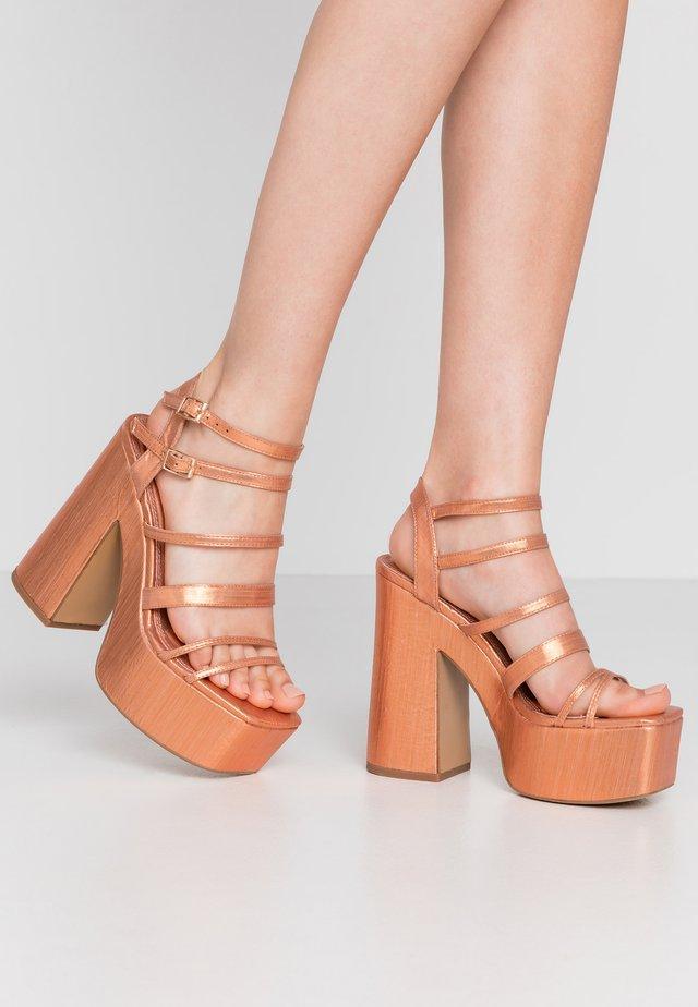 RAPID STRAP PLATFORM - Korolliset sandaalit - metallic