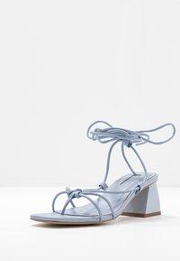 Topshop - NIKITIA STRAP  - Sandály s odděleným palcem - blue - 4