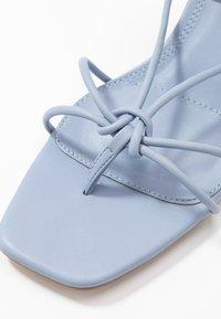 Topshop - NIKITIA STRAP  - Sandály s odděleným palcem - blue - 2