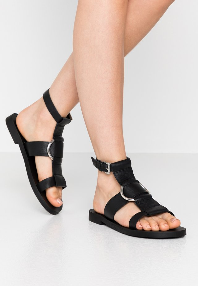 POPPY RING  - Sandalias - black
