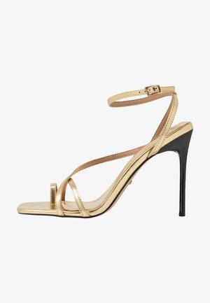 RISE STRAPPY  - Sandali con tacco - gold