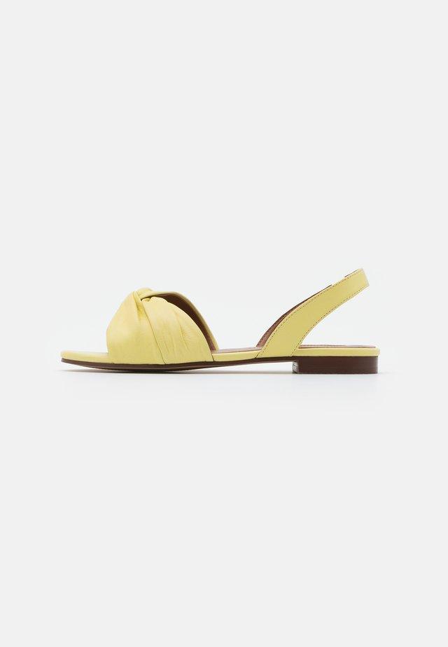 LUCKY KNOT SLINGBACK - Riemensandalette - lemon