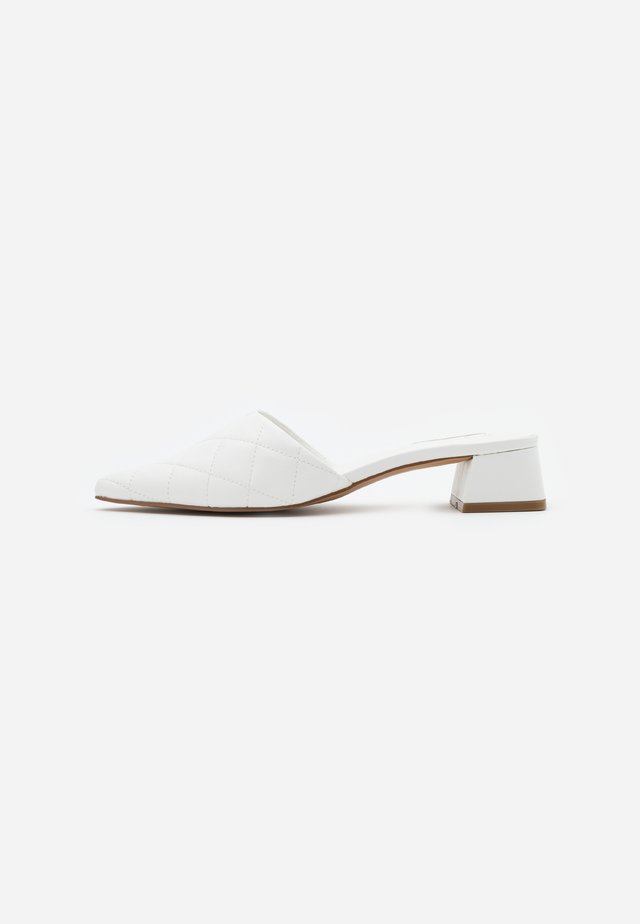 LOLA QUILTED MULE TOP UP - Mules - white