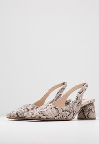 Topshop - JUSTIFY SLING COURT - Classic heels - natural - 4