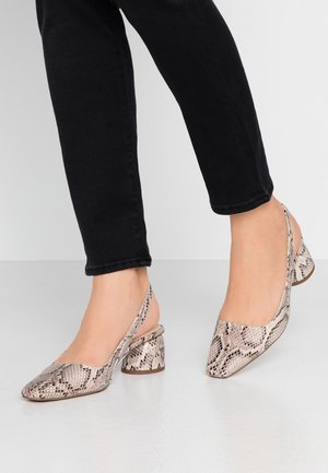 JUSTIFY SLING COURT - Classic heels - natural